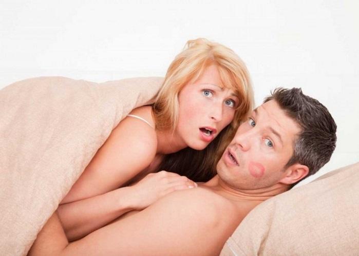 Секс измена присутствие мужа русские брюнетки видео